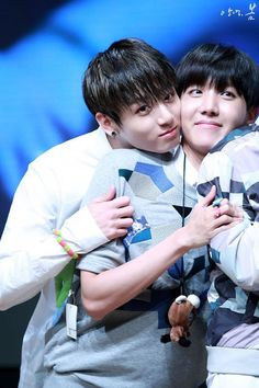 Find images and videos about kpop, bts and jungkook on We Heart It - the app to get lost in what you love. Jung Kook, Foto Bts, Bts Photo, Hoseok, Seokjin, Bts Bangtan Boy, Bts Boys, Jimin, Die Beatles