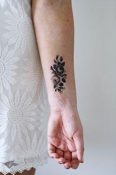 Small roses temporary tattoo - a temporary tattoo by Tattoorary