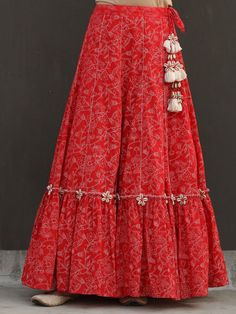 Indian Gowns Dresses, Indian Fashion Dresses, Indian Designer Outfits, Indian Designers, Frock Fashion, London Fashion, Sharara Designs, Kurta Designs Women, Kurti Designs Party Wear