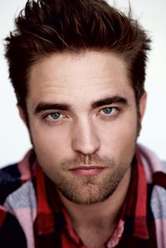 Robert Pattinson....I can't breathe right now