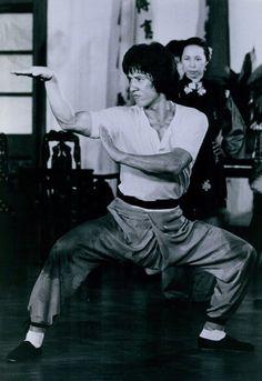 Jackie Chan as Wong Fei-Hung in Drunken Master play Snake Fist #kungfu #jackiechan #drunken
