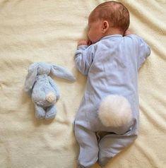 Imagem de baby, boy, and bunny