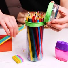 5 Min Crafts, 5 Minute Crafts Videos, Diy Crafts Hacks, Diy Home Crafts, Diy Arts And Crafts, Craft Videos, Fun Crafts, Kreative Desserts, Plastic Bottle Crafts
