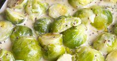 Pikkuruiset ruusukaalit ovat näin syksyllä parhaimmillaan, joten nyt niillä kannattaa herkutella. Ruusukaaleista voi tehdä vaikka monenla... Sprouts, Food And Drink, Vegetables, Vegetable Recipes, Veggies