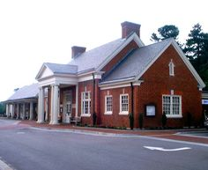 WILLIAMSBURG, Virginia - Colonial Revival Style architecture railroad station