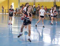 As equipes femininas da Associação Desportiva de Handebol Masculino/Feminino 15 de Piracicaba voltam à quadra no próximo sábado, dia 29 de abril