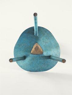 Faye Toogood / spade chair, bronze