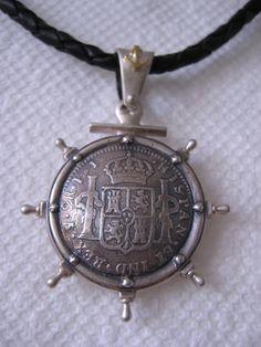 Mira este artículo en mi tienda de Etsy: https://www.etsy.com/listing/156650321/spanish-coin-18k-solid-gold-silver