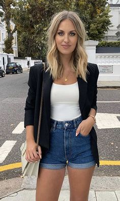 You Never Seen Such Simple but Stylish Outfits For Women Look Blazer, Blazer And Shorts, Jeans Dress, Black Shorts Outfit, Denim Shorts, Casual Blazer, Swag Dress, Chino Shorts, Dress Shoes