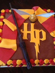 Harry Potter Cake - Morgan, you have to make this for your roomie!