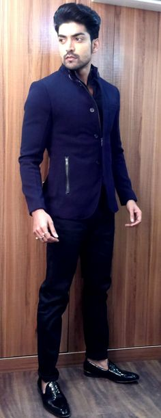 Gurmeet Chaudhary Tv Actors, Actors & Actresses, Gurmeet Choudhary, Indian Show, Ethenic Wear, Most Handsome Men, Boyfriend Style, Indian Movies, Favorite Tv Shows