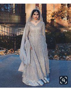 types of muslim wedding dresses Asian Bridal Dresses, Asian Wedding Dress, Pakistani Wedding Outfits, Indian Bridal Outfits, Pakistani Bridal Dresses, Pakistani Wedding Dresses, Pakistani Dress Design, Indian Dresses, Pakistani Clothing
