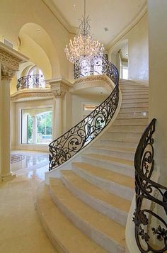 Grand Staircase I need stairs like this one in my house. Grand Staircase, Staircase Design, Marble Staircase, White Staircase, Stair Design, Curved Staircase, Escalier Design, Villa Plan, Home Fashion