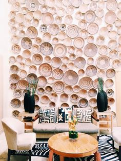 The Saxon Hotel in Johannesburg AFAR Article: Christine Amorose African Living Rooms, Decoration Restaurant, Restaurant Concept, Nelson Mandela, Commercial Interiors, Best Hotels, Cool Places To Visit, South Africa, Living Room Decor