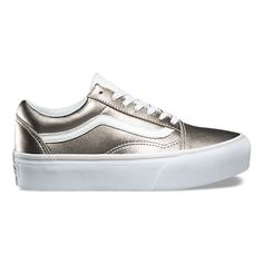The Old Skool Platform combines the classic side stripe skate shoe with  metallic leather uppers 4bf2ca35b