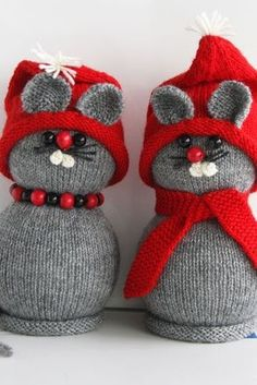 Sock Crafts, Diy And Crafts, Christmas Farm, Christmas Ornaments, Knitting Patterns Free, Hand Knitting, Snowman Crafts, Christmas Knitting, Xmas Decorations