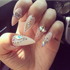 The stiletto nails really caught my eye. They are not like any other regular nails, and not all girls wear them. Ladies, take a look at the Magnificent Stiletto Nail Designs That You Are Going To Love. Crazy Nails, Dope Nails, Fancy Nails, My Nails, Pointy Nails, Matte Nails, Acrylic Nails, Rhinestone Nails, Bling Nails