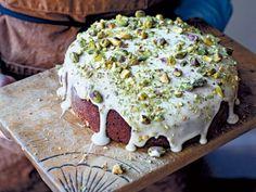 Pistazienkuchen mit Holunderblütersirup - Anna Jones