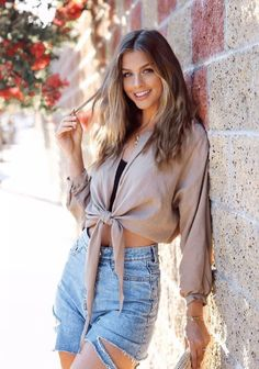 Marina Laswick, Latest Fashion For Women, Womens Fashion, Chic Outfits, Nice Tops, Cool Girl, Outfit Of The Day, Beachwear, Fashion Looks