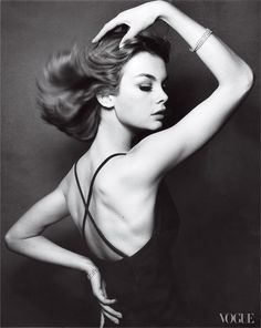 Jean Shrimpton    Photographed by David Bailey, Vogue, 1962 #vintage #1960s