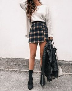 Simple And Elegant Christmas Day Outfit Ideas For Women - Fall Outfits Cute Christmas Outfits, Cute Casual Outfits, Preppy Outfits, Mode Outfits, Holiday Outfits, Christmas Ideas, Tumblr Fall Outfits, Christmas Fashion Outfits, Dressy Fall Outfits