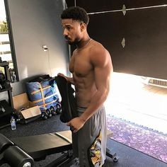 Michael B. Jordan - Dear Thank You For These Shirtless Selfies Of Our Favorite Famous Guys Michael B. Jordan, Michael B Jordan Shirtless, Michael B Jordan Instagram, Black Panthers, Friday Night Lights, Hot Black Guys, Black Men, Hot Guys, Cute Black Boys