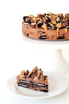 Snickers Peanut Butter Chocolate Oreo Icebox Cake
