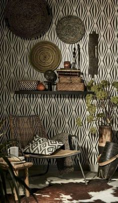 A touch of nature right in our room. Tribal decor, a African Living Rooms, African Room, African House, Tribal Decor, Ethnic Decor, Tribal Room, African Interior Design, African Design, African Style