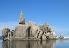 Lake Victoria balanced rock - I like the sight and want the calm day for myself!
