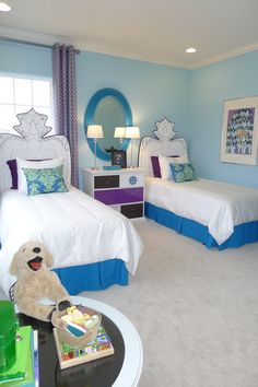 Discover some of the most beautiful kids room design for two kids. Use our decor tips and ideas to create the best kids bedroom design for your little ones. Teen Bedroom Colors, Bedroom Paint Colors, Kids Bedroom, Girl Bedrooms, Bedroom Ideas, Vintage Bedroom Decor, Blue Bedroom Decor, Vintage Room, Frozen Bedroom