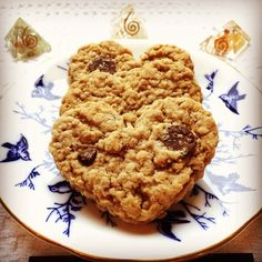 Our first customer of the day brought us the most delicious heart shaped cookies today!  A plate of cookies and cup of tea is the best way to celebrate our one year anniversary of TANDMGems.  Come on by the cookies might be gone but our sale of 20% off is still on until 5:00. . . . #crystals #minerals #crystalsofig #crystalsofinstagram #mineralsofig #mineralsofinstagram #rockshop #crystalshop #crystalporn #crystalsforsale #crystalsale #crystallove #crystallover #crystalauction…