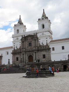 Plaza San Francisco in Quito, Ecuador. #VolunteerInQuito