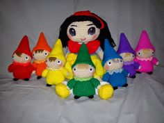 Snow White and the Seven Dwarves Free Crochet Pattern