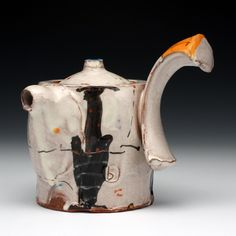 The newest exhibit at Red Lodge Clay Center is a survey of 16 working ceramic artists touching on a range of ideas including history, function, and concept. Teapots And Cups, Ceramic Teapots, Pottery Pots, Ceramic Pottery, Clay Center, Red Lodge, Pottery Marks, Tea Art, Tea Service