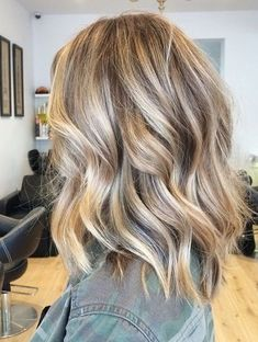 Blonde Hair With Highlights, Hair Color Balayage, Ash Blonde, Blonde Honey, Blonde Balayage, Color Highlights, Hair Colour, Carmel Blonde Hair, Long Bob Blonde