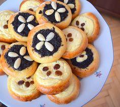 koláče 😁😁 #kolace #kynutekolace #cake #poppyseed #creamcheese #yeastdough #kynutetesto #makovykolac #tvarohovykolac #tlacenekolace #pies #pie #homebaker #homebaked #cakestagram #dessertstagram #bakingtime #bakingmom #yummy #instabake #foodie #foodlover #foodpics #czech #czechrepublic #avecplaisircz