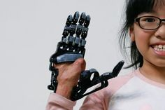 After losing his right forearm in a factory accident, Chang Hsien-Liang tried several artificial limbs but he was never satisfied. The arms he could afford were too basic and the robotic hand he wanted was too expensive. So the 46-year-old engineer from southwest Taiwan set out to design and bu...