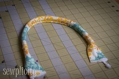 Sewplicity: TUTORIAL: Corded Fabric Handles