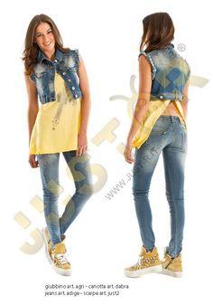 GIUBBINO CORTO ART. AGRI - http://www.just-r.it/shop/it/jeans/398-giubbino-corto-art-agri.html ------- CANOTTA ART. DABRA - http://www.just-r.it/shop/it/maglieria/519-canotta-art-dabra.html -------- JEANS ART. ADIGE - http://www.just-r.it/shop/it/jeans/415-jeans-art-adige.html ----------- SCARPA ART. JUST2 - http://www.just-r.it/shop/it/scarpe/340-scarpa-art-just2.html