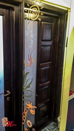 Cum se întreţine oglinda?   Herra Design Armoire, Lockers, Locker Storage, Furniture, Design, Home Decor, Clothes Stand, Decoration Home, Closet