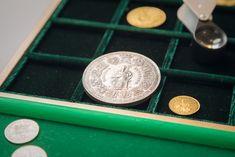 VIA - Vienna International Auctions wurde in Wien als Dienstleistungsunternehmen im Bereich Numismatik gegründet. Vienna, Auction, Personalized Items, Old Coins, Things To Do