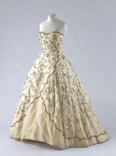 """Marivaux"" by Dior, spring/summer 1952  From the Palais Galliera, Musée de la Mode de la Ville de Paris"