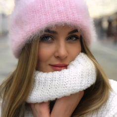 211 отметок «Нравится», 8 комментариев — Design   Knit   Fashion (@romantsova_knitting) в Instagram: «Французской ангоре - легендарная песня. Шапочка была связана на заказ.»