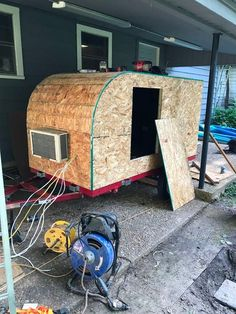 Picture of closing her in trailer build, diy camper trailer, tiny house trailer, Camping Trailer Diy, Diy Camper Trailer, Tiny Camper, Car Camper, Camping Car, Rv Campers, Trailer Build, Camping Outdoors, Small Campers