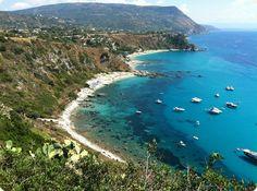 """Calabria un oasis de virginidad y viejos valores entre los valles salvajes del Aspromonte y el """"bosque encantado"""" de la Sila."""
