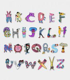 Giiton ORIGINAL【lINITIAL WAPPEN】金川カモメさんのイラストによる大人でも子供でも楽しめるGiitonオリジナルのイニシャルアイロンワッペンです。 Embroidery Alphabet, Hand Embroidery Designs, Cross Stitch Embroidery, Shrink Art, Hand Lettering Fonts, Emblem, Flower Crafts, Needlework, Ideias Fashion