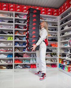 Nike Shoe Closet - Best Picture Of Closet Shoe Room, Shoe Wall, Shoe Closet, Tenis Nike Air, Nike Air Shoes, Nike Air Jordans, Nike Shoe, Air Jordans Women, Moda Sneakers