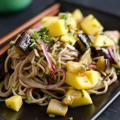 Padlizsános-mangós japán tésztasaláta Recept képpel - Mindmegette.hu - Receptek Cabbage, Mango, Foods, Vegetables, Food Food, Veggies, Veggie Food, Vegetable Recipes, Collard Greens