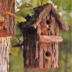 DIY bark bird house ~ Wonderful in the garden!