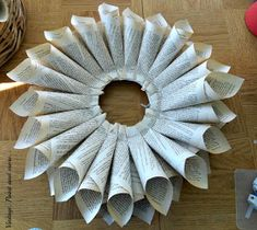 Book Page Wreath Tutorial - Vintage, Paint and more. Recycled Book Crafts, Old Book Crafts, Book Page Crafts, Recycled Clothing, Recycled Fashion, Music Sheet Paper, Sheet Music Crafts, Wreath Crafts, Paper Crafts